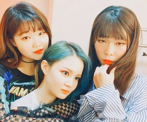 kpop, leehi, and akmu image