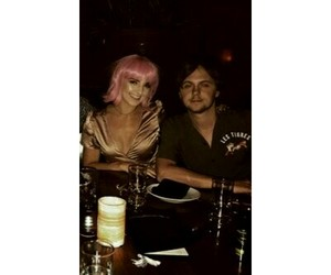 couple, ellington ratliff, and r5 image