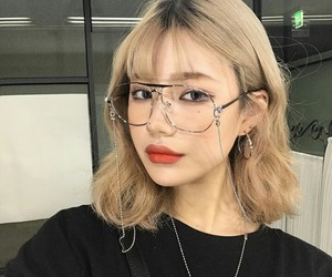 ulzzang, yoou.ch, and glasses image