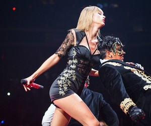 Taylor Swift, i knew you were trouble, and red tour image