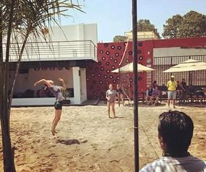 playa and voleibol image