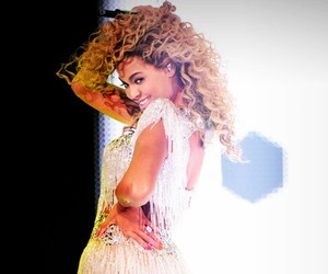 beyoncé, smile, and beyonce' knowles image