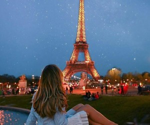 girl and parís image