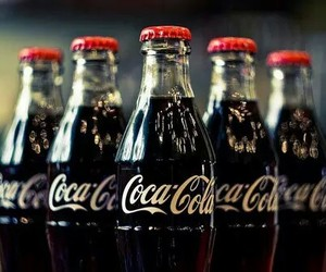 coca-cola, refrigerante, and cocacola image