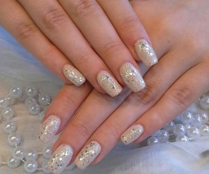 manicure, nails, and glitzer image