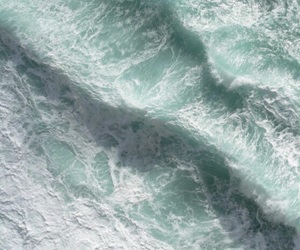 mint and waves image