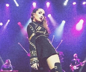 lali esposito, soy tour, and lali en chile image