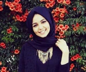 eve and hijab image