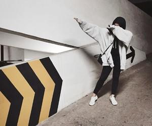 girl, hijab, and ulzzang image