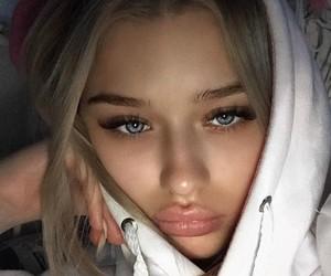 eyes eyebrows brows
