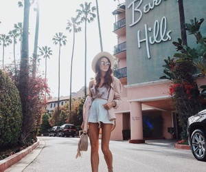 pastel outfit, fit motivation, and retro style image