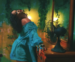 rihanna and wild thoughts image