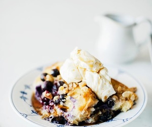 crumble, ice cream, and berry# image