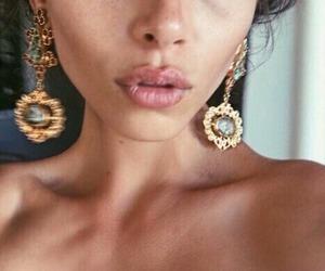 earings image