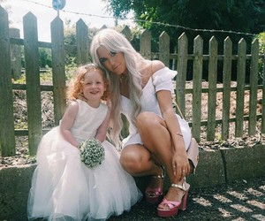 sisters, 1d, and lottie tomlinson image