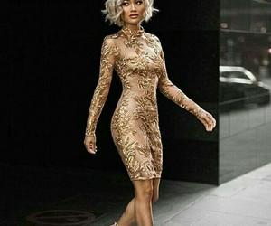 dress, moda, and dorado image