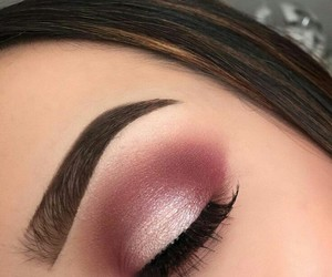 makeup, shine, and smokey eye image