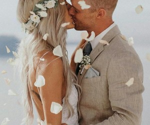 baiser, couple, and wedding image