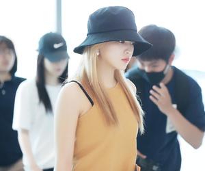 bucket hat, kim ye-rim, and kim ye rim image