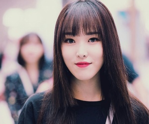 asian girl, korean girl, and yuju image