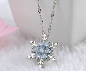 accessories, style, and snow image