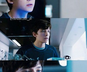 the space between us, asa butterfield, and gardner elliot image