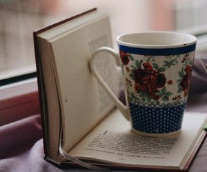 books and tea image
