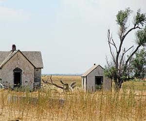 abandoned, house, and homestead image