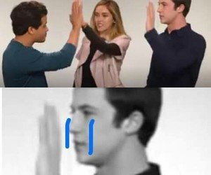 13 reasons why, dylan minnette, and memes en español image