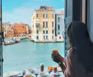 breakfast and venice image
