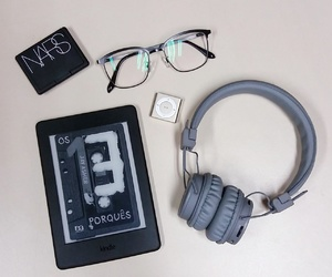 iPodshuffle, kindle, and narscosmetics image
