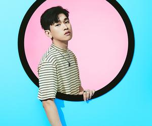 crush, krnb, and shin hyosub image