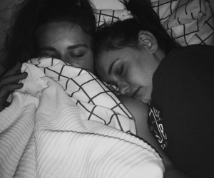 b & w, bed, and best friends image