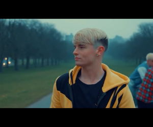 roadtriptv, castle on the hill, and andy fowler image