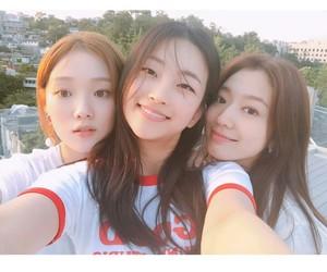 doctors, k drama, and korean girls image