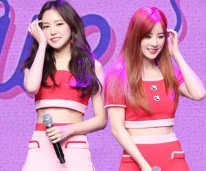 naeun, chorong, and apink image