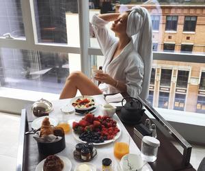 breakfast, girl, and juice image