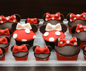 cupcake, food, and minnie mouse image