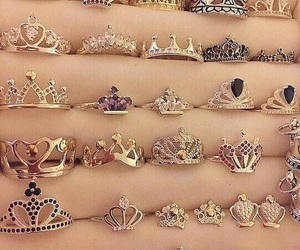👑 and 💍 image