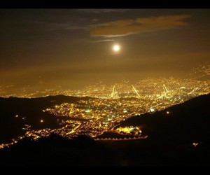 city, Noche, and colombia image