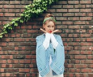 girls generation, yuri, and kim taeyeon image