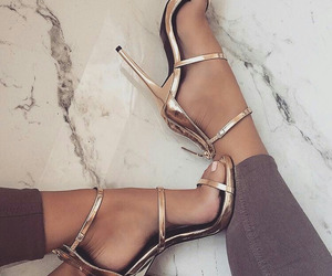 dresswe reviews, dresswe shoes reviews, and reviews for dresswe image