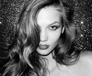 Karlie Kloss and model image
