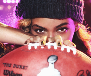 beyonce knowles, super bowl, and mrs carter image