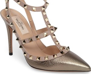 heels, shoes, and valentino rockstud image