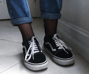 fashion, 👽, and shoes image