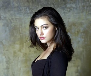 phoebe tonkin and hayley image