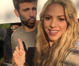 shakira, pique, and Barcelona image