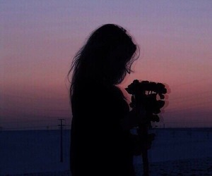 girl, grunge, and flowers image