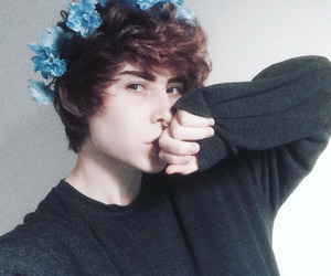 crown, flowercrown, and emo image